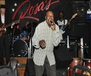 Lorenzo Thompson Performing live at Rosa's Lounge in Chicago